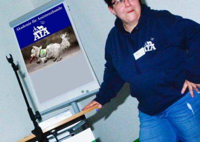 Kati Zimmermann, Akademie für Assistenzhunde